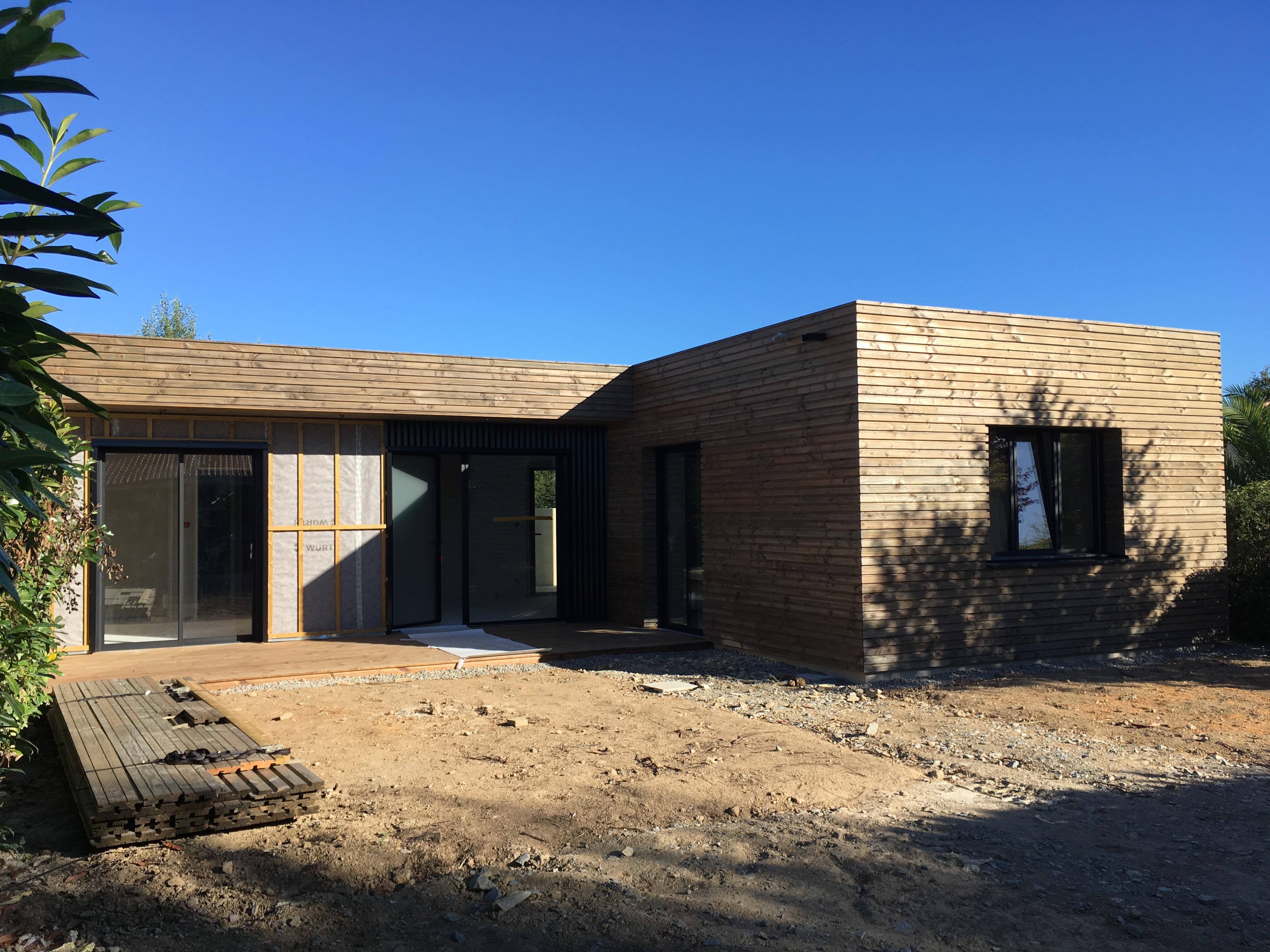 Maison individuelle ossature bois piscine lm architecte for Maison individuelle architecte